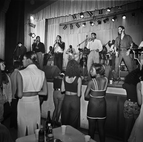 96年12月26日。カサ・デ・ラ・ムジカで行われたエネヘ・ラ・バンダのライヴ。入場料は15ドルだった。