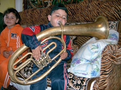 楽器は代々受け継がれる